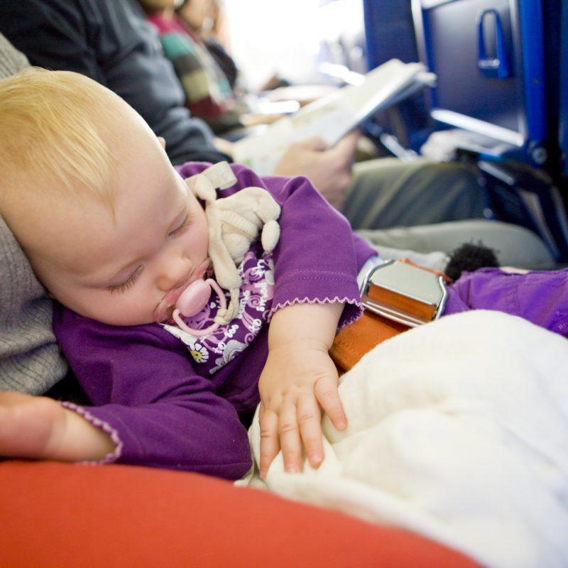 Små børn på fly