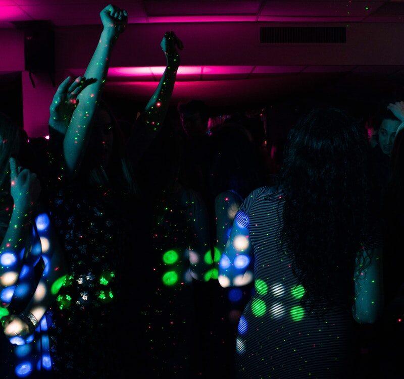 Spansk feststed med laserlys